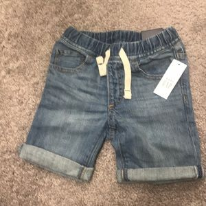 NWT Gap Toddler Short.4T